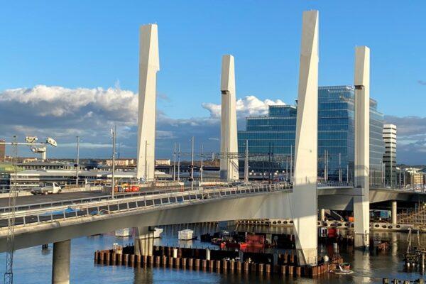 Hisingsbron - lyftbro av stål och betong
